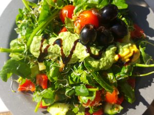 salade met homemade pesto